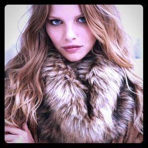 Gorgeous brown/tan Faux Fur scarf LOFT NWOT